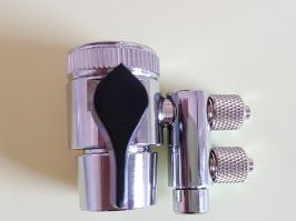 Vanne de dérivation pour tête de mitigeur pour eau alimentation et eau de rejet